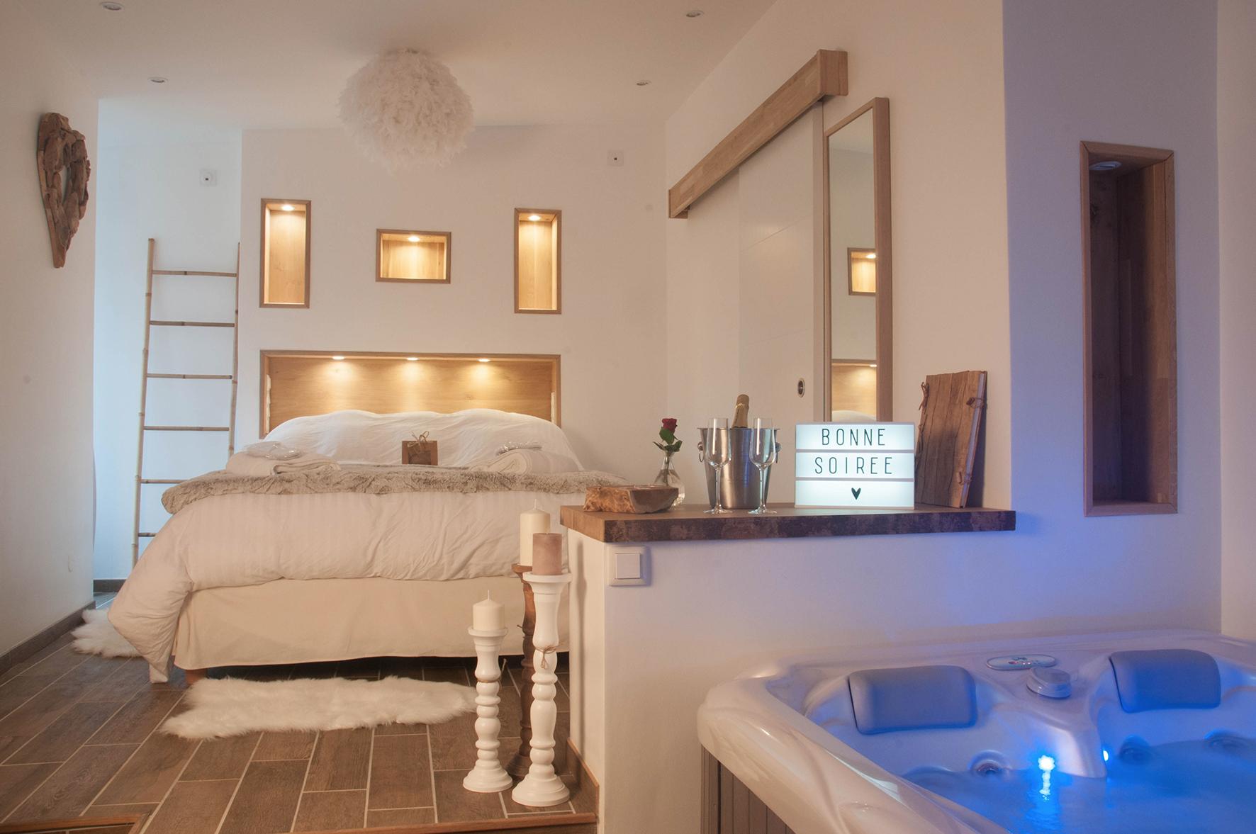 L escapade romantique chambre avec spa privatif au nord for Chambre romantique